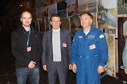 "Boyko Valeriy – Director of the Producer Center Boyko Gallery ""Globus"" with participants of the 8th International Air and Space Salon""Aviasvit-XXI""."
